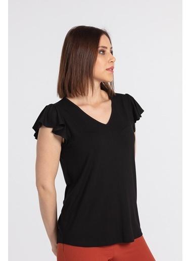Jument Kadın V Yaka Kolları Volanlı Bluz-Krem Siyah